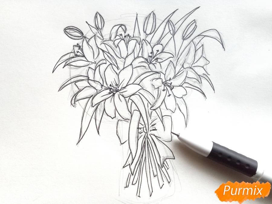 Рисуем букет лилий цветными карандашами - шаг 5