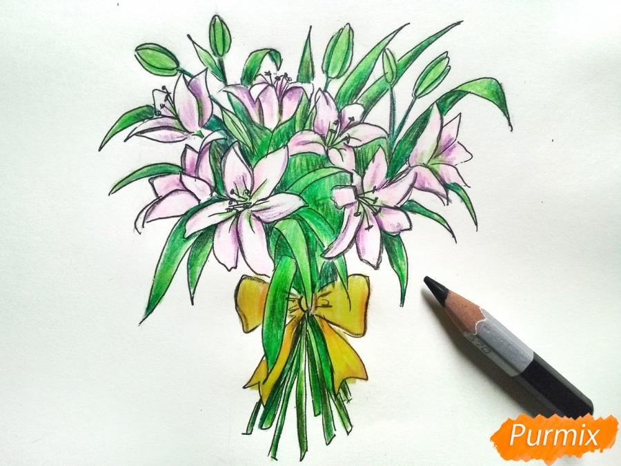 Рисуем букет лилий цветными карандашами - шаг 9