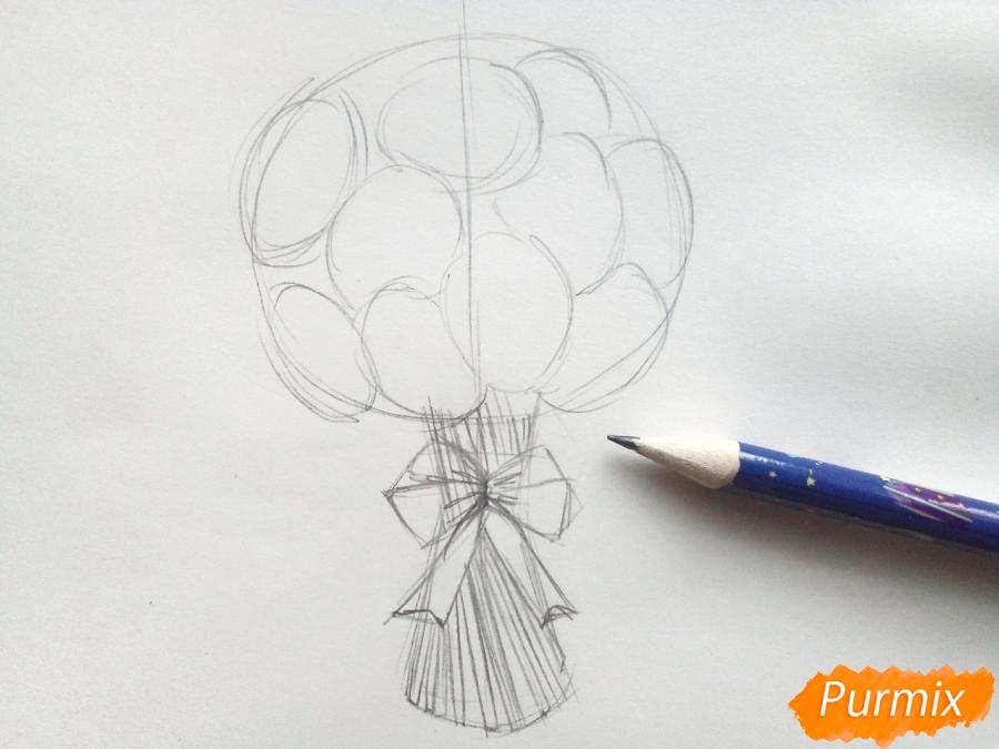 Рисуем букет нарциссов цветными карандашами - шаг 4