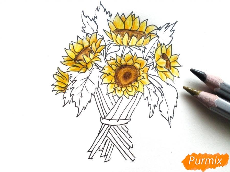 Рисуем букет подсолнухов цветными карандашами - шаг 7