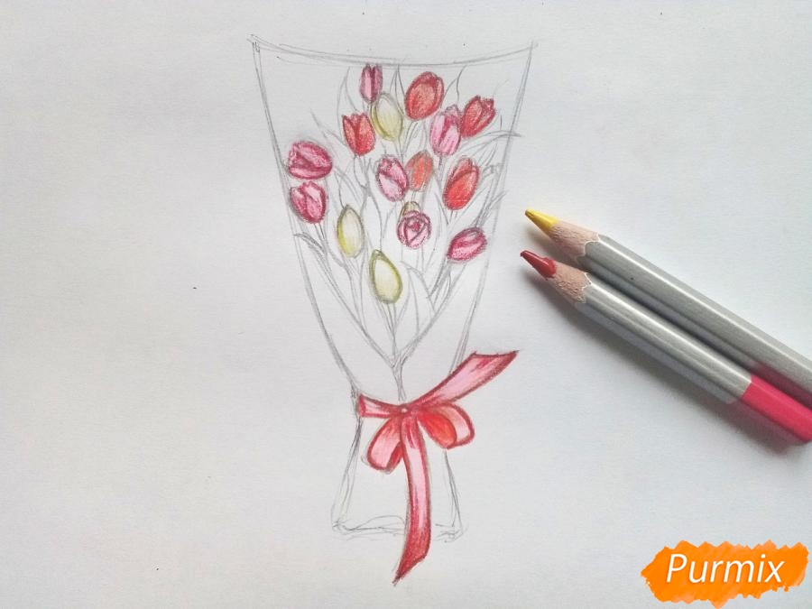 Рисуем букет тюльпанов цветными карандашами - шаг 6