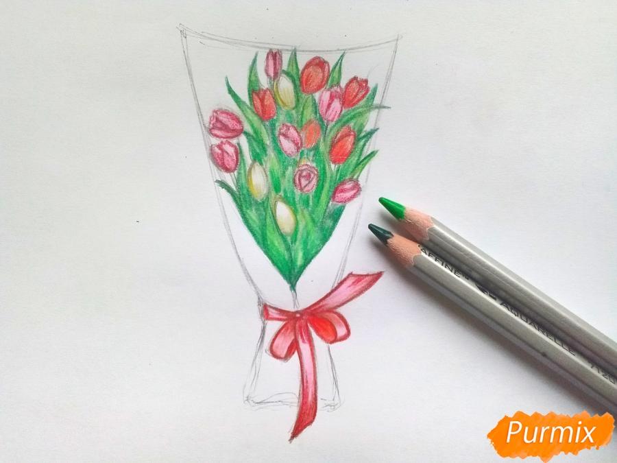 Рисуем букет тюльпанов цветными карандашами - шаг 7