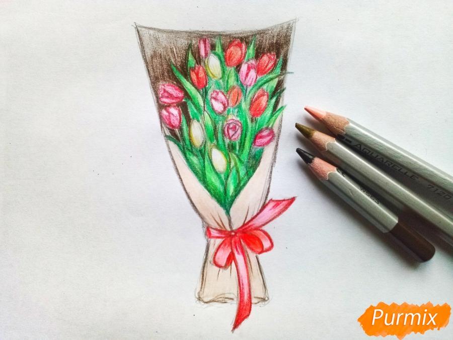 Рисуем букет тюльпанов цветными карандашами - шаг 8