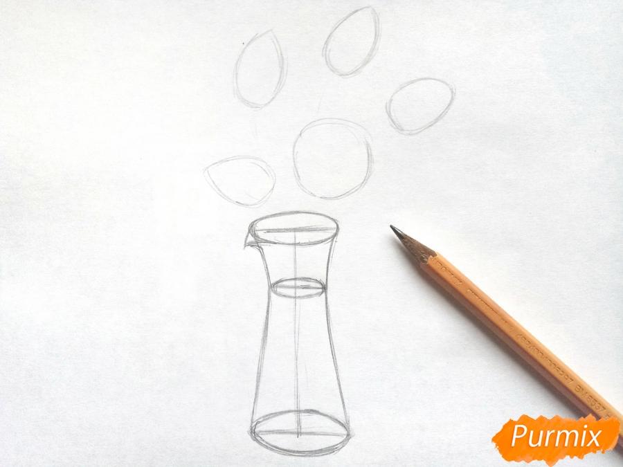 Рисуем тюльпаны в вазе - шаг 2