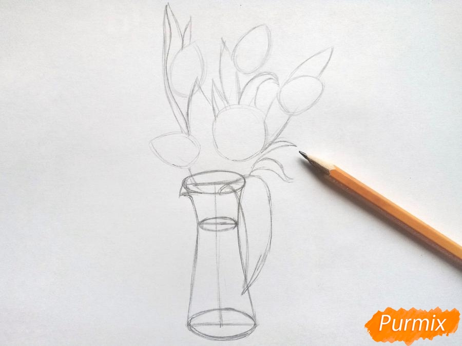 Рисуем тюльпаны в вазе - шаг 3