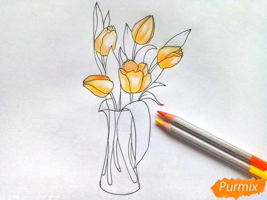 Рисуем тюльпаны в вазе - шаг 6