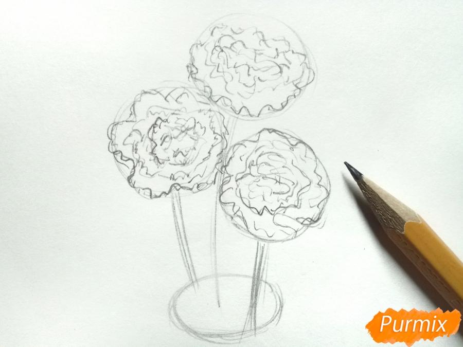 Рисуем букет гвоздик в вазе - шаг 3