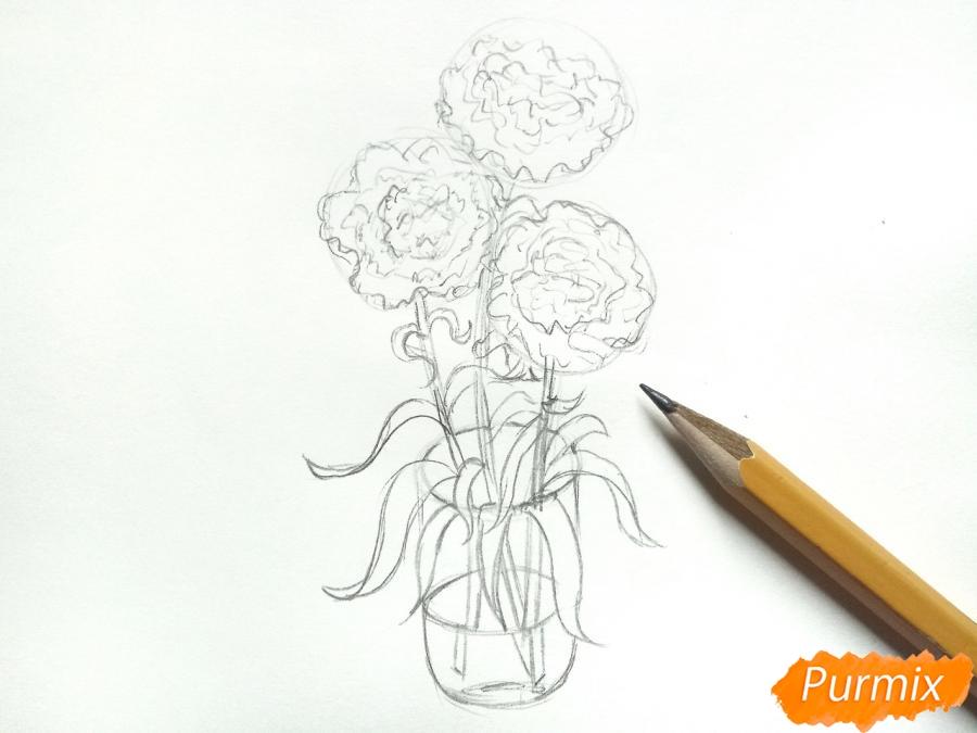 Рисуем букет гвоздик в вазе - шаг 5
