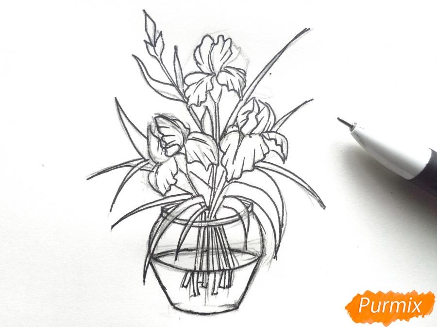 Рисуем ирисы в вазе - шаг 6