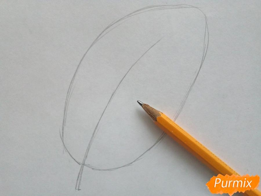 Рисуем лист рябины карандашами - шаг 1