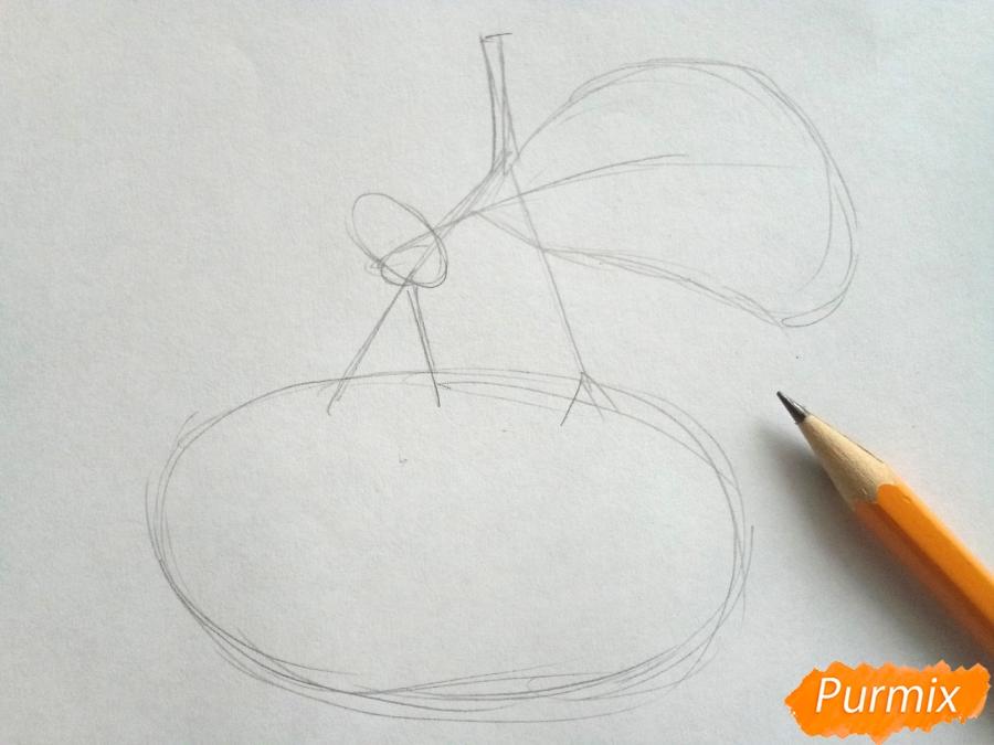 Рисуем лист рябины с ягодами - шаг 1