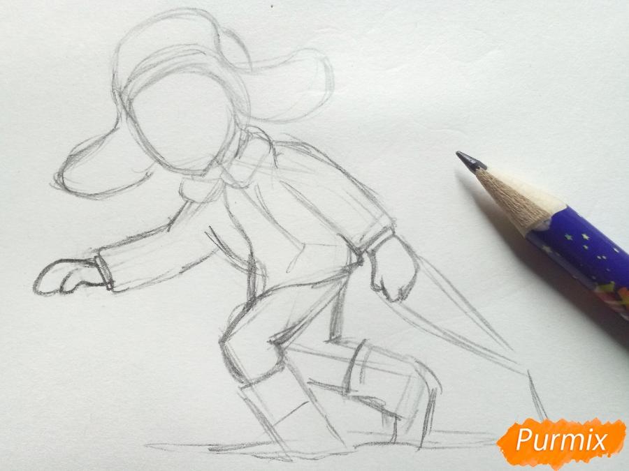 Рисуем мальчика с санками зимой карандашами - шаг 4