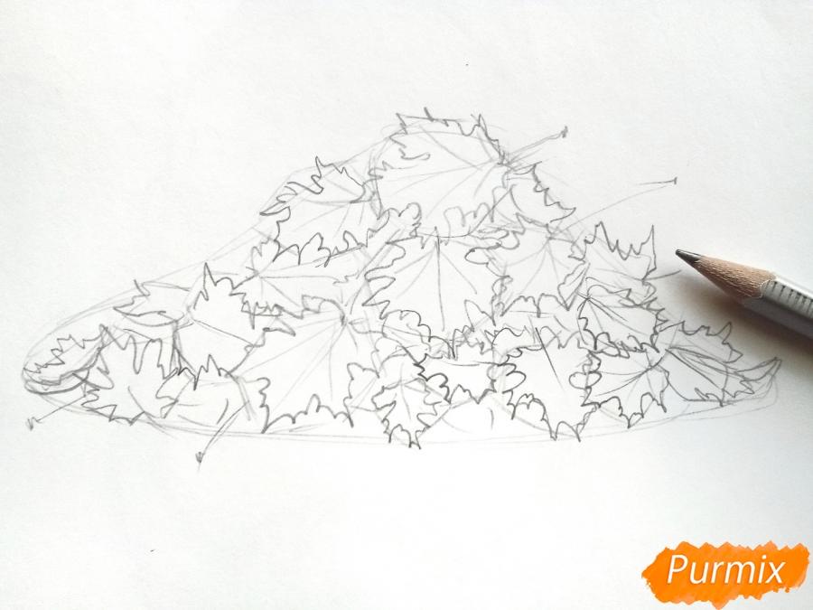 Рисуем опавшие осенние листья цветными карандашами - шаг 3