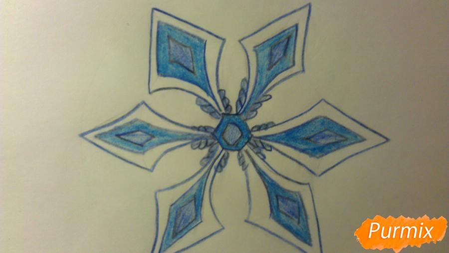 Как просто и красиво нарисовать снежинку на бумаге для детей - шаг 10