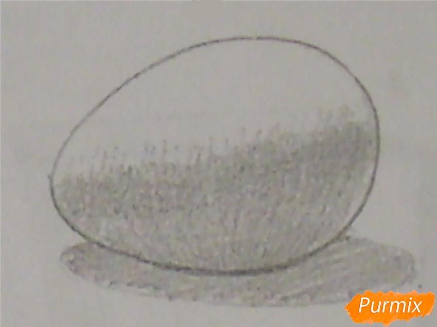 Рисуем куриное яйцо с тенью простыми карандашами - шаг 3