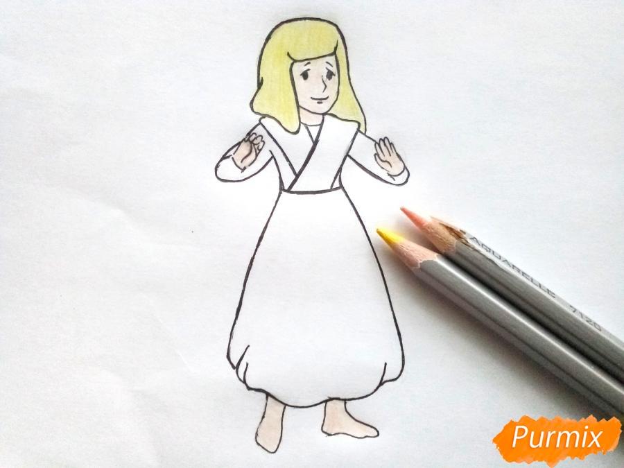 Рисуем Герду из сказки Снежная королева карандашами - шаг 6