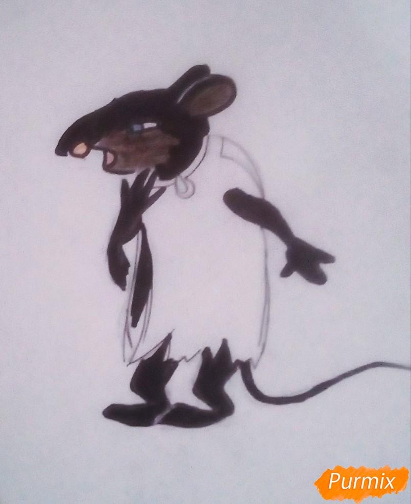 Рисуем крысу Шушера из Буратино карандашами - шаг 7