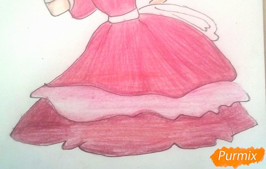 Рисуем Мальвину цветными карандашами - шаг 12