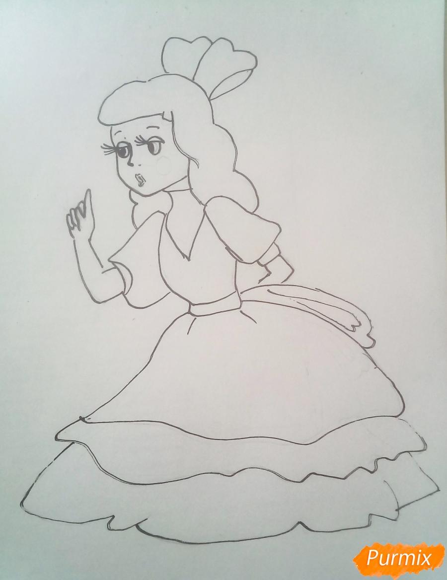 Рисуем Мальвину цветными карандашами - шаг 8