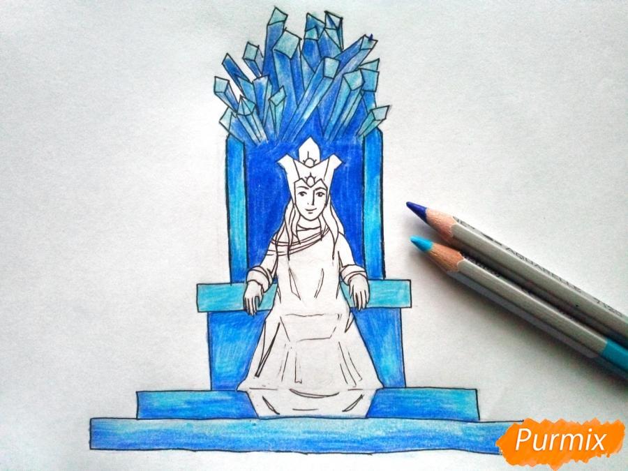 Рисуем Снежную королеву на троне - шаг 7