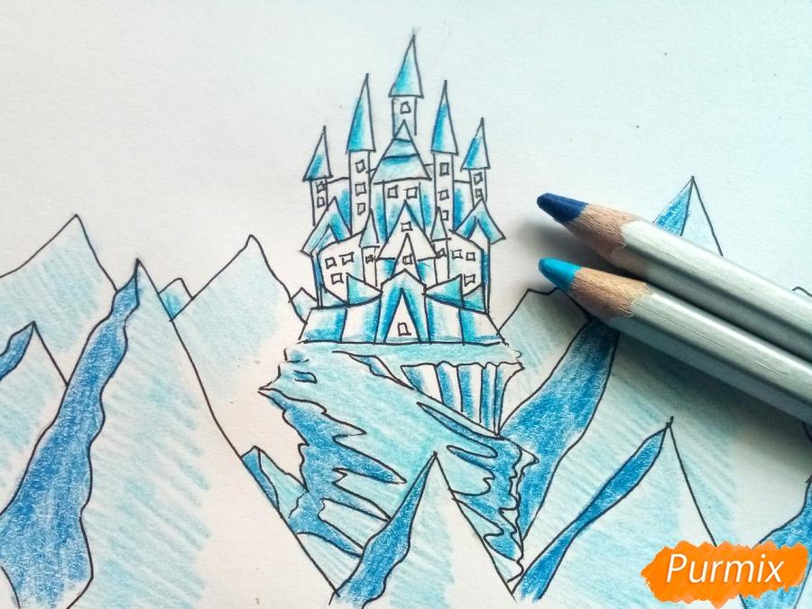 Рисуем замок Снежной королевы карандашами - шаг 7