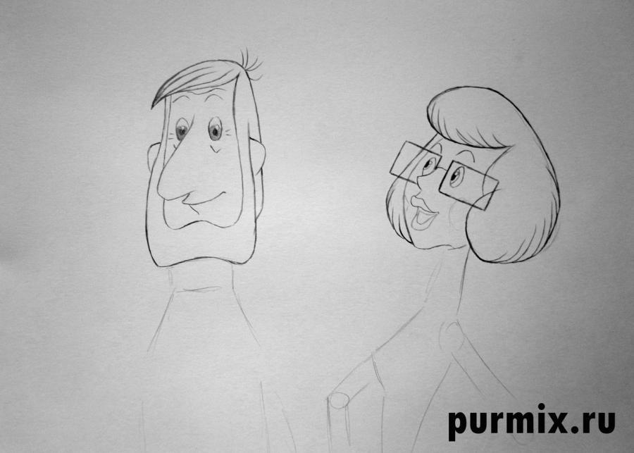 Рисуем папу и маму из Трое из Простоквашино - шаг 3