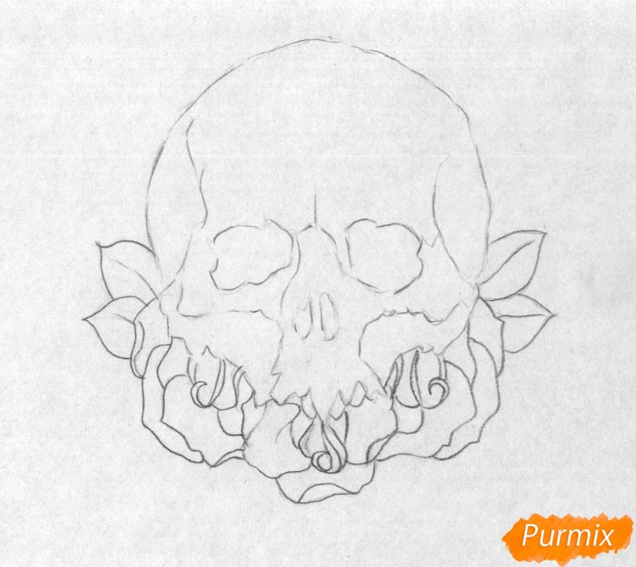 Рисуем череп с розами - шаг 2