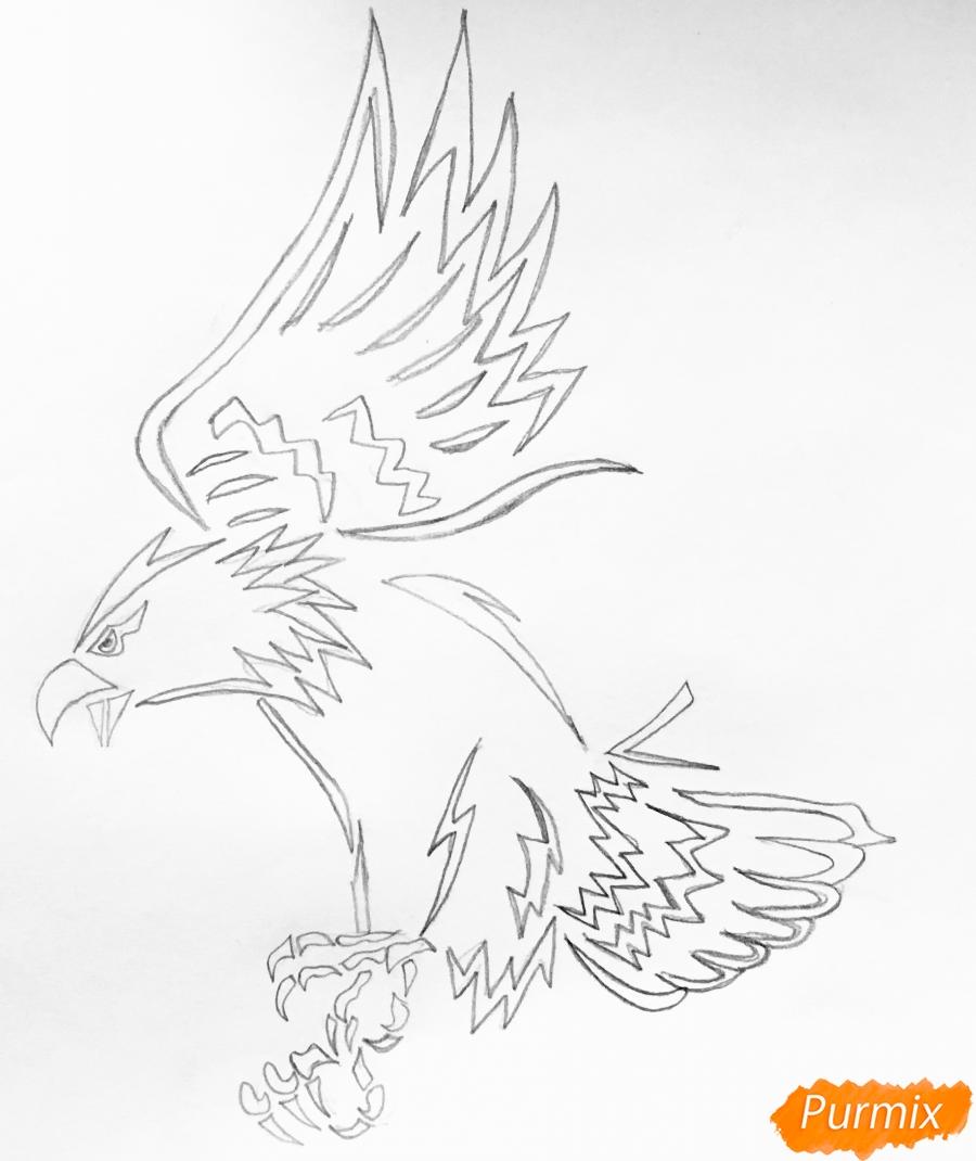 Рисуем коршуна в стиле тату - шаг 4