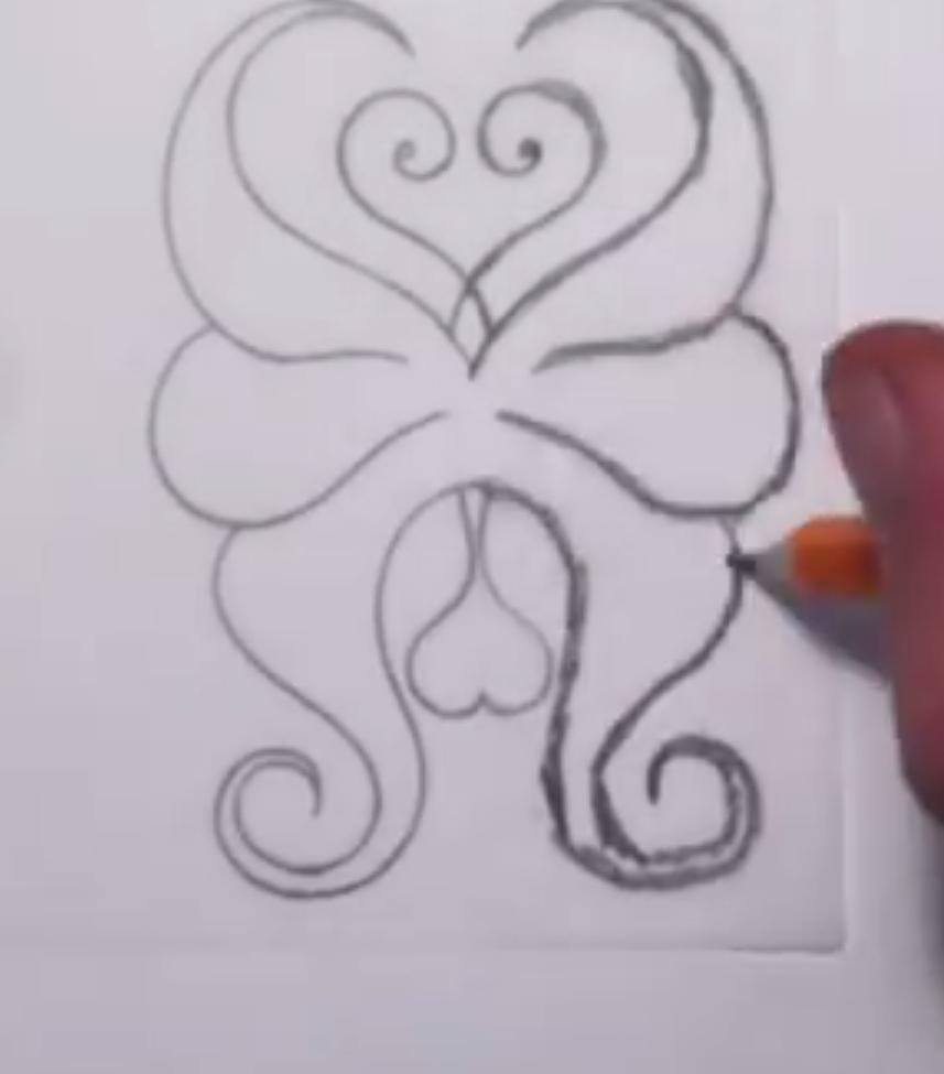 Рисуем абстрактную бабочку - шаг 3