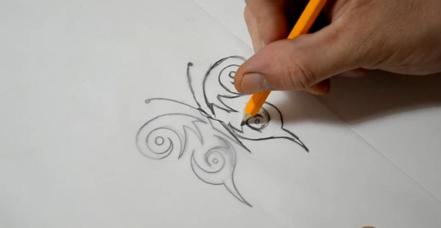 Рисуем бабочку в стиле тату - шаг 5