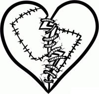 Фото сшитое ниткой сердце карандашом