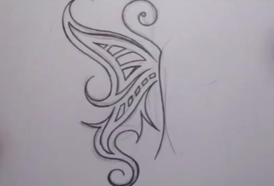 Рисуем татуировку бабочка - шаг 4