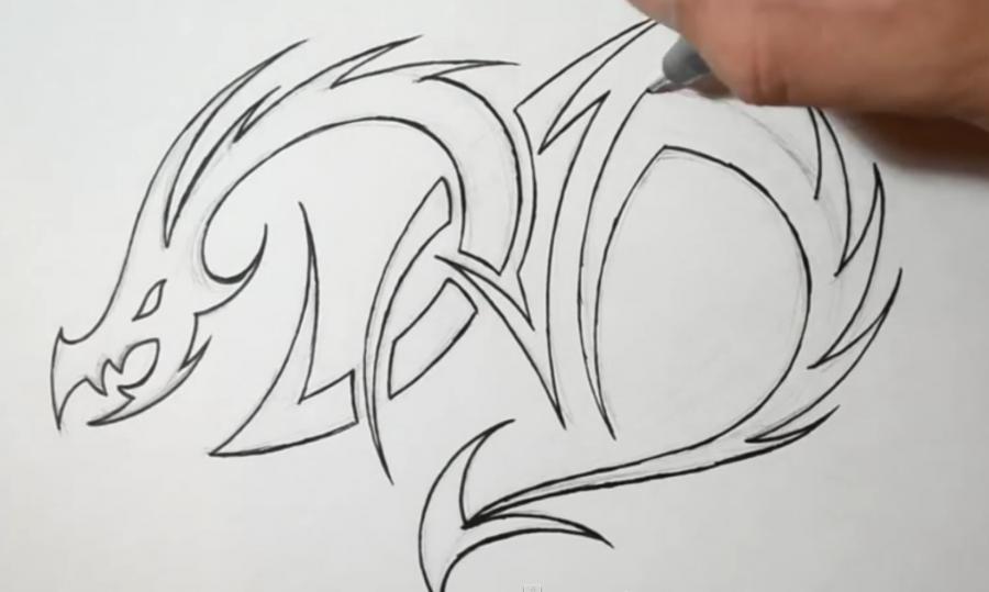 Рисуем татуировку дракона на бумаге - шаг 4